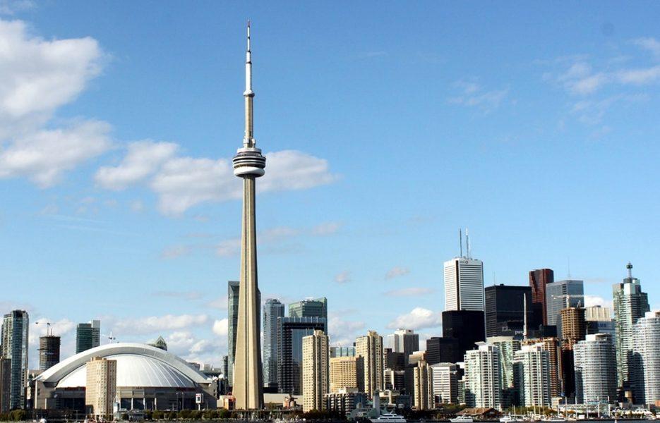 Toronto skyline by Prayltno via flickr (Web lead)